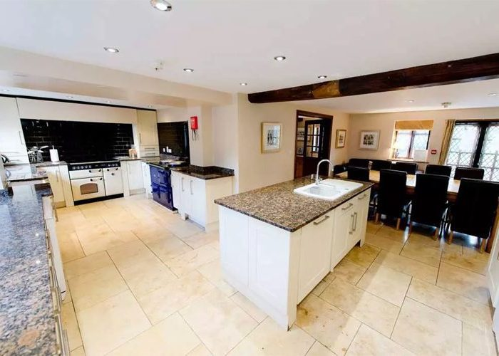 Manor House Group Accommodation In Herefordshire, Large Holiday Houses