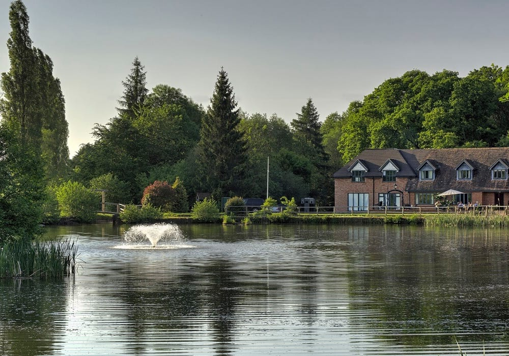 Cadmore Lakeside Hotel