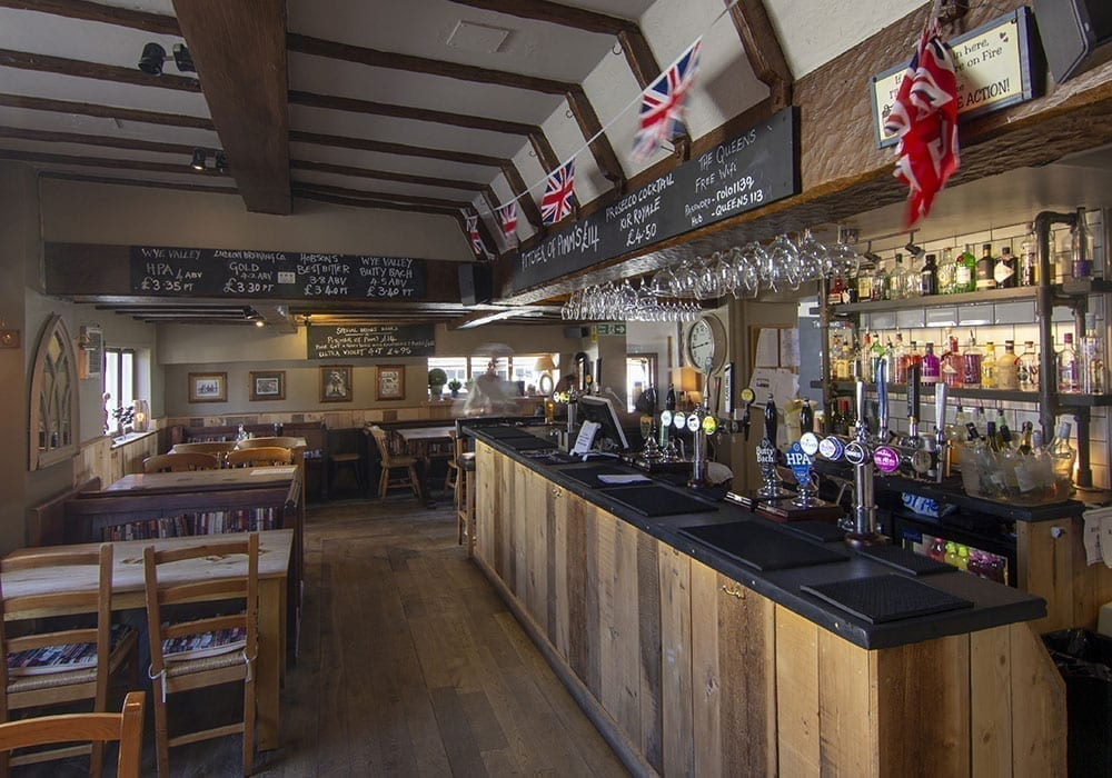 The Queens Bars And Pubs In Shropsire